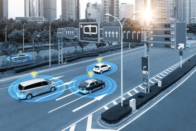 Akıllı ulaşım sistemleri, V2X , akıllı ulaşım, bağlantılı araçlar, Araçlara her noktada, her zaman ve aynı servis kalitesinde V2X iletişimi ile hizmet verilebilmesi ancak hücresel ağ servisleri ile sağlanabilecektir.